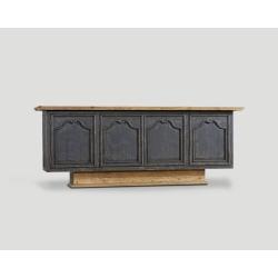 Czterodrzwiowa komoda z drewna z recyklingu DB003606
