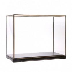 Kwadratowa szklana kopuła...